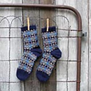 Medallion_socks_small2