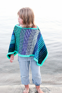 Ice_queen_poncho__7__small2
