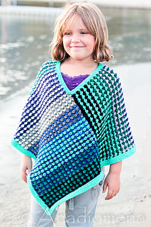 Ice_queen_poncho__16__small2