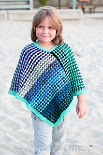 Ice_queen_poncho__2__small2