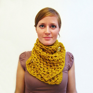 Mustard_scarf_square_small2
