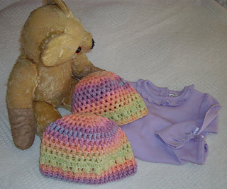 Olivia_crocheted_baby_hat1_cropped_small2