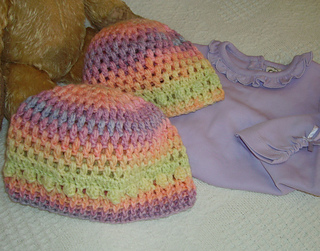 Olivia_crocheted_baby_hat3_close_up_small2