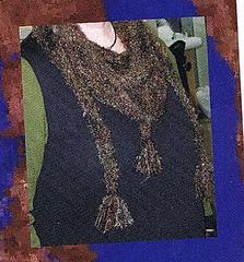 Close_up_of_shoulder_shawl_small