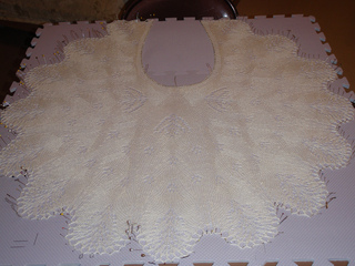 2011_craft_lace_shawl_1_small2