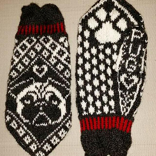 Pugs and Kisses (picture taken direct from Ravelry)