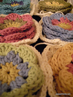 Centers-for-the-hexagon-blanket_small2
