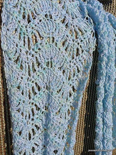 Extended-ripple-free-crochet-pattern-dk-close-up_small2