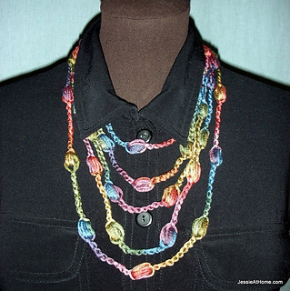 Free-crochet-puff-stitch-necklace-medium_small2