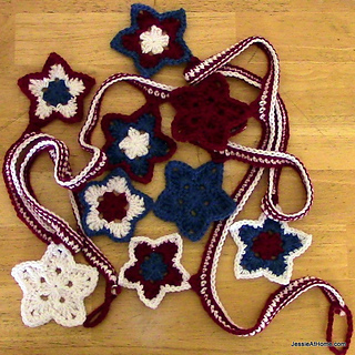Crochet-stars-and-stripes-bunting-free-pattern_small2