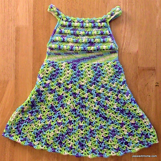 Puff-stitch-halter-dress-crochet-free-pattern_small2