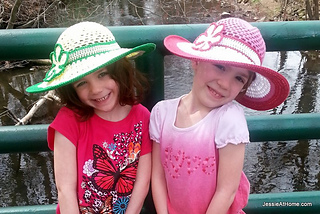 Stitchopedia-that-70s-flower-on-be-a-star-sunhats_small2