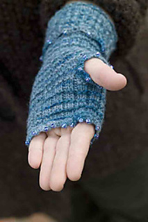Festivefingerlessmitts3_small2