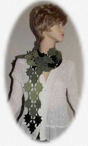 T_lacey_leaves_scarf_2_medium