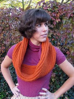 Crochet-circle-scarf-pattern_small2