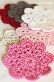 Crochet Flowers Tutorial By Carmen Heffernan : Ravelry: Mollie Makes Online - patterns