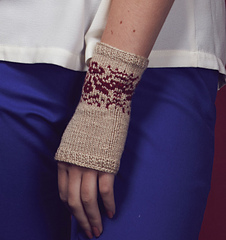 Rosa_damascena_gloves_small