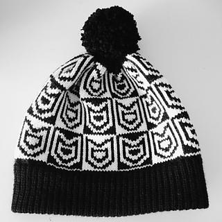 Cat_print_knit_pom_pom_hat_small2