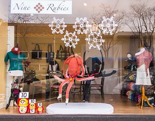 Knit_window_display_winter_olympics_small2