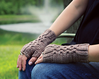 Rippleeffectgloves_1387b_small2