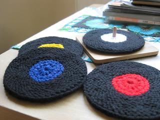 Vinyl_record_coasters_knit_version_005_small2