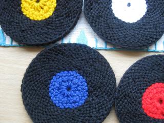 Vinyl_record_coasters_knit_version_009_small2
