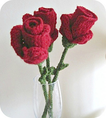 Red_roses_glass_rounded_small