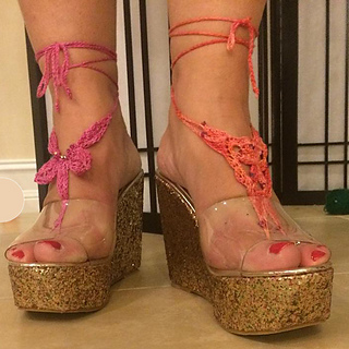 Barefoot_sandals_in_shoes_small2