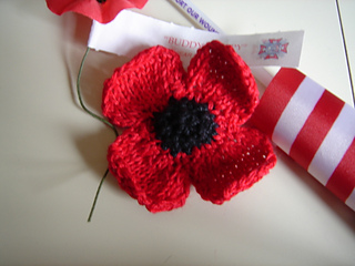 Remembrance_poppy_0000_small2