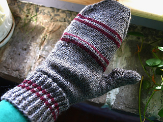 2nd_podster_mitten_done_small2