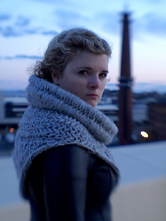 Boston Knitter Alanna Nelson for Twilight theme scarves