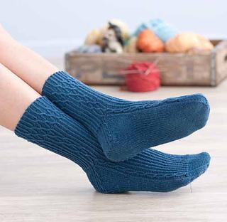 Twisted_diamonds_socks_small2
