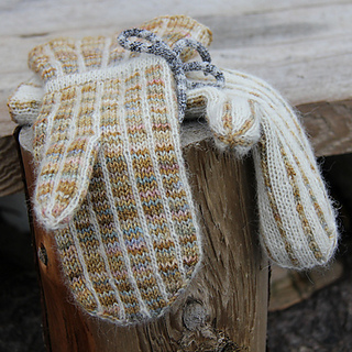 Beigepinmitts_small2