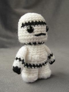 Sw_stormtrooper_03e_small2