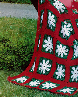 Icy-snowflake-afghan_small2