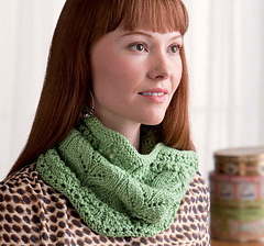 Cozy_knits_-_weekend_away_lace_gaiter_beauty_shot_small
