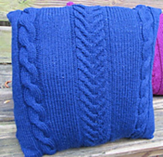 Cable_pillow_square_small2