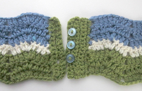 Eyelet_ripple_infinity_scarf_buttons_and_buttonholes_medium