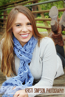 Wide_ripple_scarf_entwined_small2