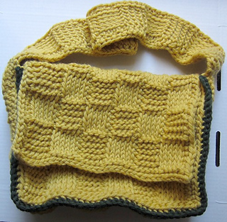 Basketweave_mini_messenger_bag_free_tunisian_crochet_pattern_by_underground_crafter1_small2