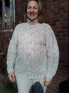 White_sweater_small2