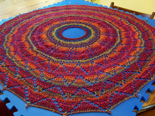 Sorcha_s_shawl_blocking_small2