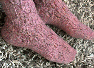 Socks_with_lacepattern_4_small2