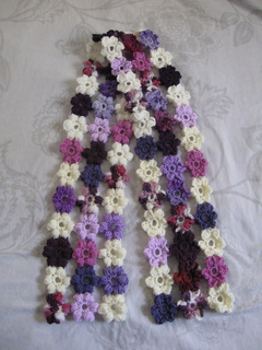 Puff_stitch_flower_scarf_14_small2