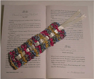 Chenille_20__20ribbon_20ladder_20bookmark_small2
