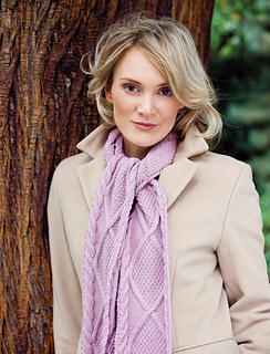 Birigtta_scarf_in_plum_close_uplow_res_small2