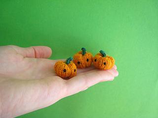 Tinypumpkins_small2