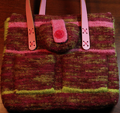 Small_pink_bag_back_view_small