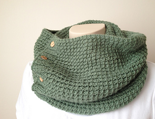 Textured-scarf-cowl2_small2