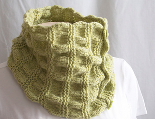 Knitting-cowl-duet-green4_small2